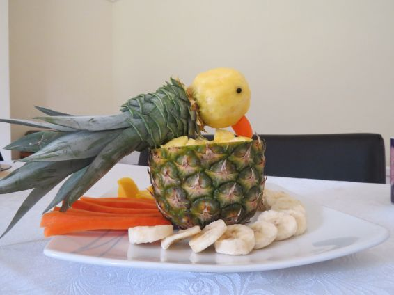 Photos 1 от recipe за A parrot from pineapple